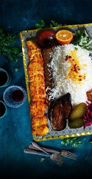 سینی مقوایی و دیس غذا و شیرینی